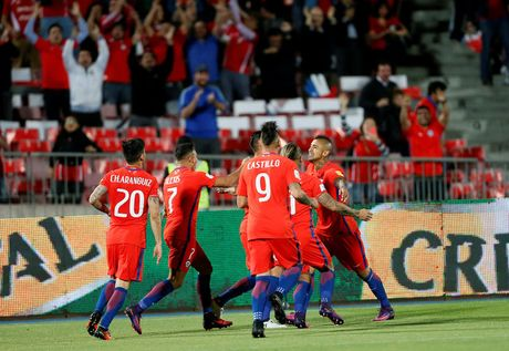 Paraguay dan Argentina 1-0, Vidal mo ty so cho DT Chile - Anh 2