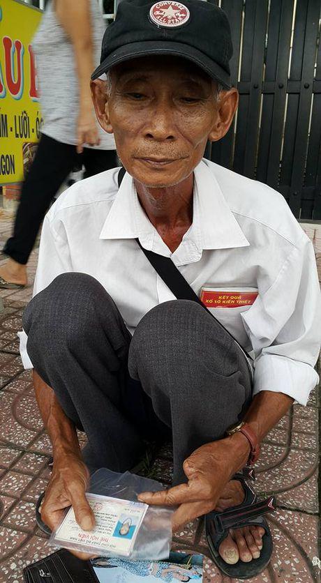 Cu ong 25 nam ban ve so nuoi vo mac ba benh ung thu - Anh 1