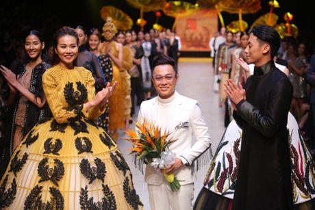 Hot girl cao 1,55 m duoc chon mo man show Cong Tri - Anh 2