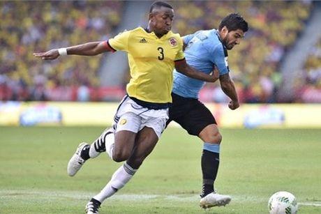 Suarez loe sang, Uruguay cua diem kich tinh voi Colombia - Anh 1