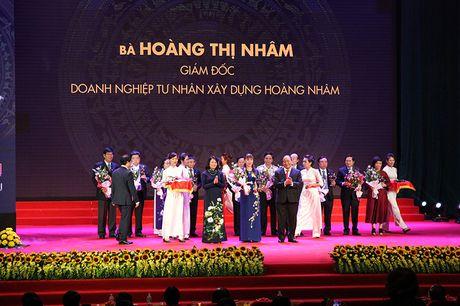 100 doanh nhan tieu bieu 2016 nhan cup Thanh Giong - Anh 12