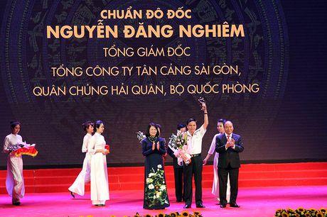 100 doanh nhan tieu bieu 2016 nhan cup Thanh Giong - Anh 5
