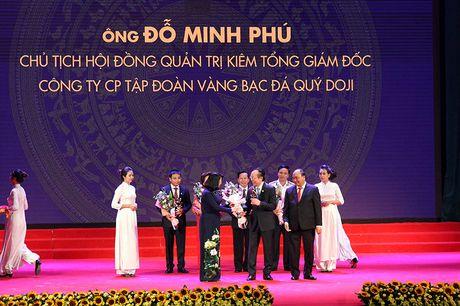 100 doanh nhan tieu bieu 2016 nhan cup Thanh Giong - Anh 7