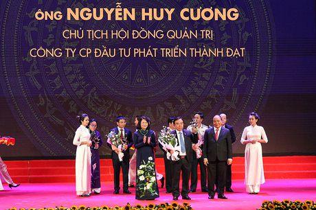 100 doanh nhan tieu bieu 2016 nhan cup Thanh Giong - Anh 8