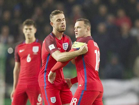 Slovenia 0-0 Anh: Joe Hart toa sang, Tam su thoat hiem hu via - Anh 3