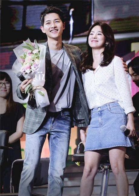 Song Hye Kyo an ui Song Joong Ki bang mot 'ky nghi bi mat o Na Uy'? - Anh 1