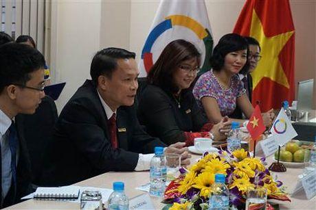 Tong Thu ky Phap ngu Michaelle Jean an tuong voi bao Le Courrier du Vietnam - Anh 1