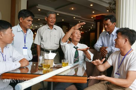 Doan nong dan xuat sac 2016 da toi Ha Noi, tay bat mat mung - Anh 9