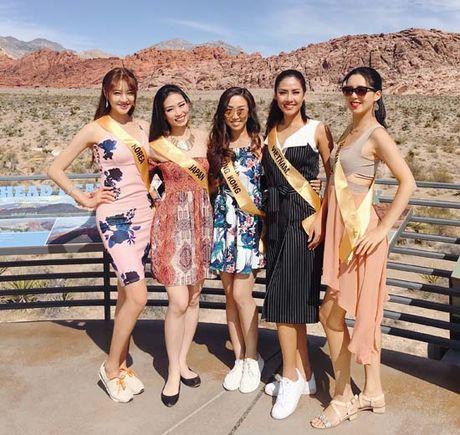 Nguyen Thi Loan rang ro xinh tuoi vuot troi ca Hoa hau Venezuela - Anh 6