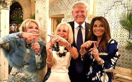 Bat mi cuoc song thuong luu cua nhung phu nu coi Trump la nguoi hung - Anh 2