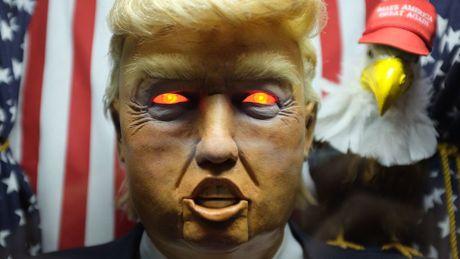 May hinh Trump an noi linh tinh gay nao loan New York - Anh 2