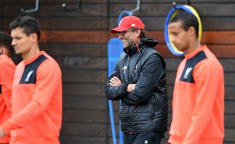 Chuan bi dau Manchester United, Jurgen Klopp bat hoc tro luyen bai doc - Anh 8