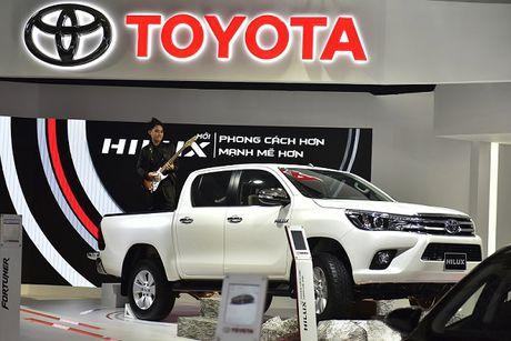 Toyota Viet Nam ban hon 5.000 xe trong thang 9 - Anh 2