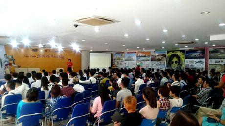 Hon 250 sinh vien hao hung tham gia giao luu 'Lap trinh – Loi tat den thanh cong' - Anh 2