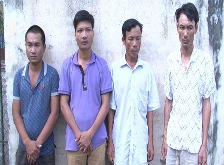 Bat nhom doi tuong chuyen cuong doat tai san cac chu may gat lua - Anh 1