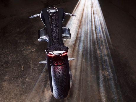 Motorrad Vision Next 100 - y tuong mo to tu can bang cua BMW - Anh 2