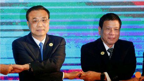 "Ong Duterte se ""ne"" phan quyet bien Dong khi tham Trung Quoc? - Anh 1"