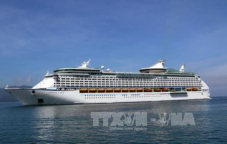 Du thuyen 5 sao Mariner of the Seas cap cang Chan May - Anh 1