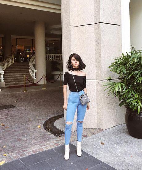 Chiec ao hot nhat thu 2016 duoc hang loat hot girl cung lang xe - Anh 2