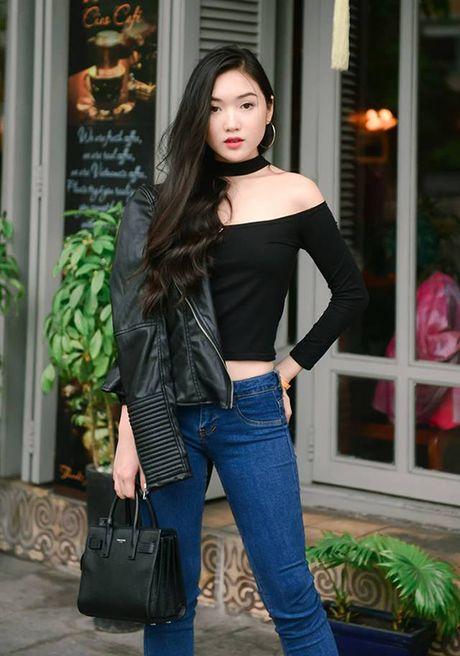 Chiec ao hot nhat thu 2016 duoc hang loat hot girl cung lang xe - Anh 3