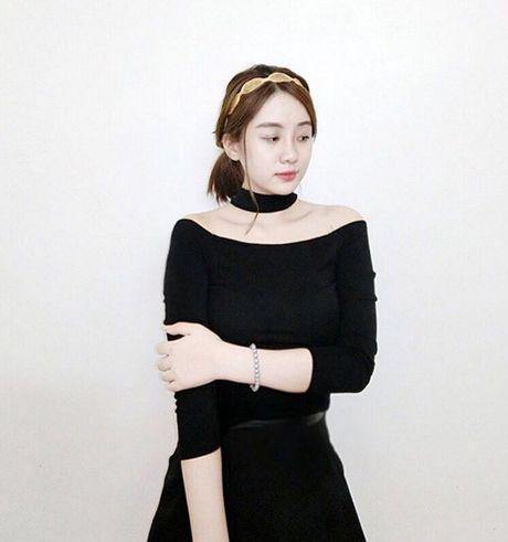 Chiec ao hot nhat thu 2016 duoc hang loat hot girl cung lang xe - Anh 4