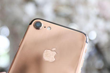 Tren tay iPhone 7 'ma vang' GoldenAce: Khi dang cap bi tra tron - Anh 2