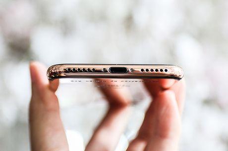 Tren tay iPhone 7 'ma vang' GoldenAce: Khi dang cap bi tra tron - Anh 8