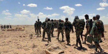 Quan doi Syria pha vo phong tuyen phien quan o bac Hama - Anh 1