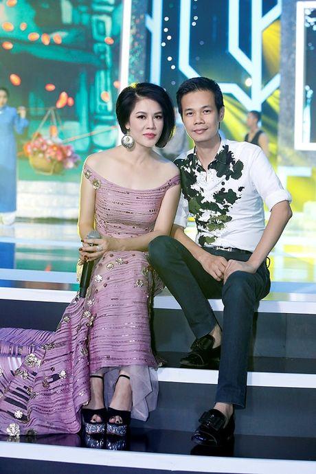 Thu Phuong bat ngo 'xuong toc' quyen ru van nguoi me - Anh 2