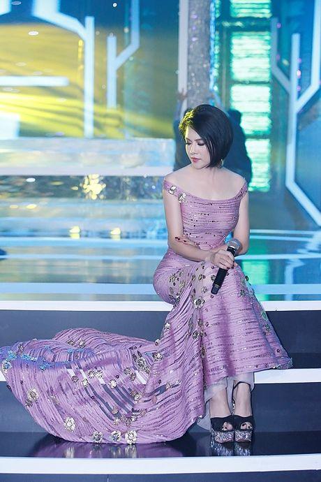Thu Phuong bat ngo 'xuong toc' quyen ru van nguoi me - Anh 9