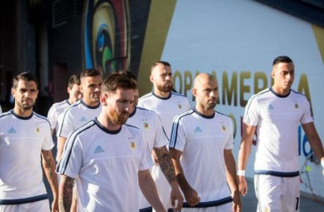Tuyen Argentina khong xung voi dang cap cua Messi - Anh 2