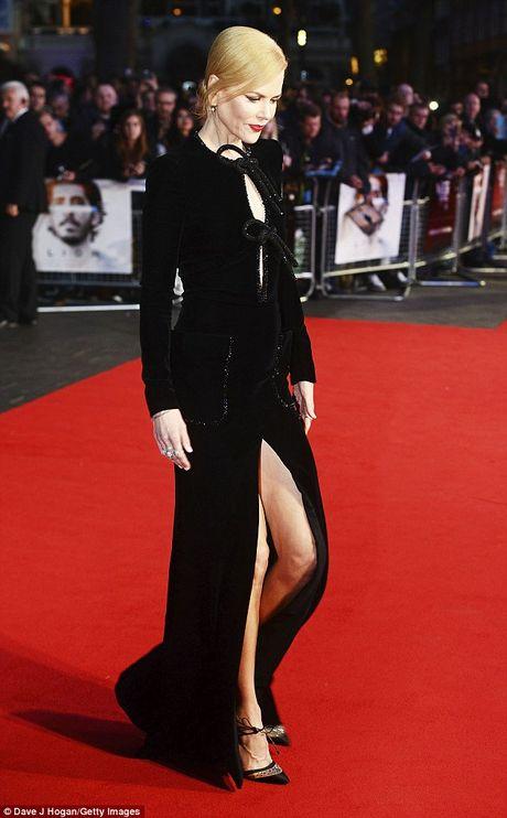 Ngo ngang sac voc tre dep ruc ro cua Nicole Kidman - Anh 5