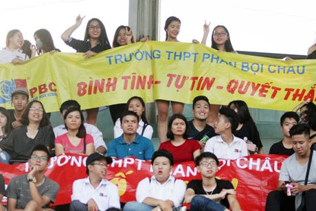 Giai bong da hoc sinh THPT Ha Noi - Bao ANTD 2016: Dat mot chan vao vong knock-out - Anh 8