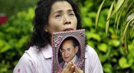 Quoc vuong Thai Lan vua bang ha - Anh 1