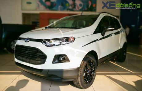 Ford EcoSport dat ky luc ban hang nho giam gia manh - Anh 1