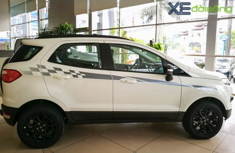 Ford EcoSport dat ky luc ban hang nho giam gia manh - Anh 2