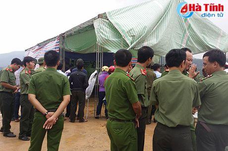 Gia canh dang thuong cua thieu uy cong an bi duoi nuoc - Anh 2