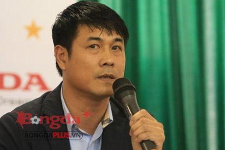 HLV Huu Thang: 'DT Viet Nam chang phai cua ong bau hay CLB nao het' - Anh 1