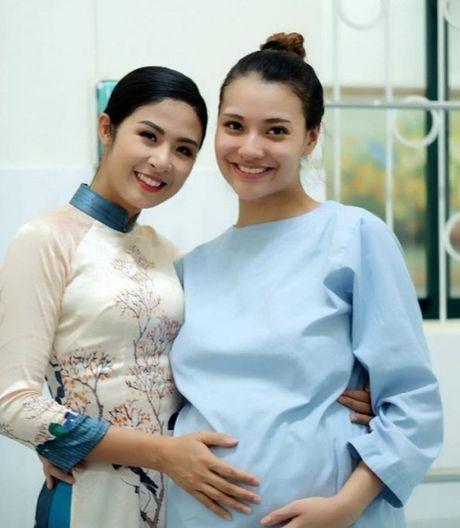 Nguoi mau Trinh Hong Que sinh con gai dau long - Anh 1