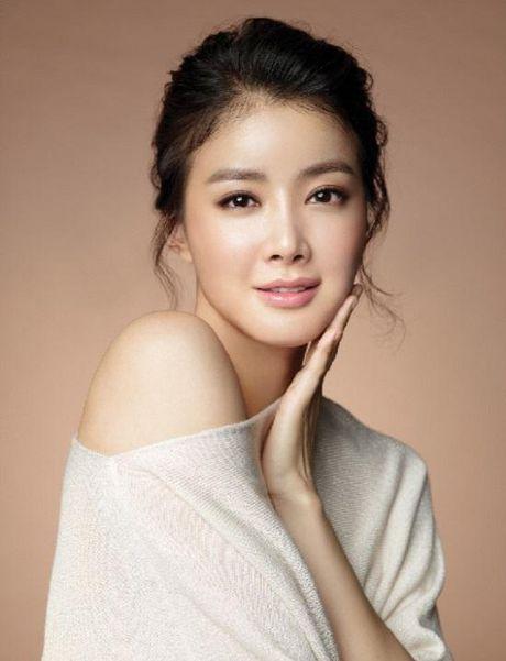 Bi ket an tu vi phat tan tin don clip nong cua Lee Si Young - Anh 1