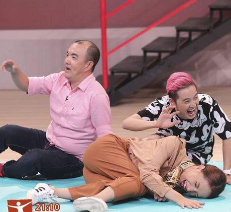 Nhung guong mat 'sinh ra la de danh cho gameshow truyen hinh' - Anh 11