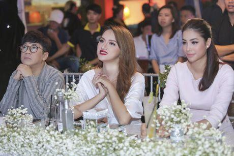 Hoa hau Pham Huong rang ro, than thiet ben Huong Giang Idol - Anh 5
