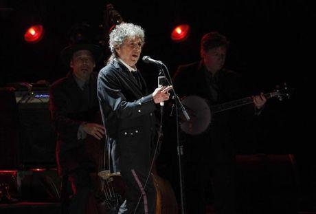 NONG: Nghe si My Bob Dyland gianh giai Nobel Van hoc 2016 - Anh 1