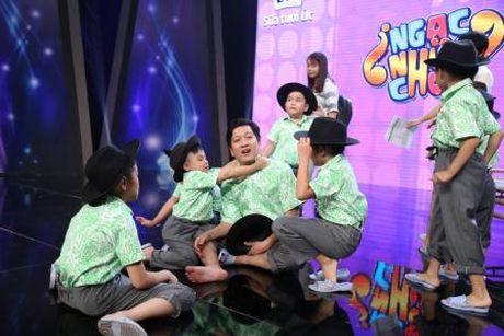 Truong Giang duoc Nha Phuong lam 'quan su' nuoi day cac 'sieu hai nhi' - Anh 1
