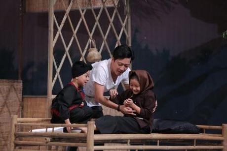 Truong Giang duoc Nha Phuong lam 'quan su' nuoi day cac 'sieu hai nhi' - Anh 3