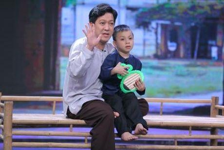 Truong Giang duoc Nha Phuong lam 'quan su' nuoi day cac 'sieu hai nhi' - Anh 4