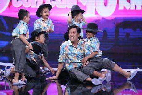 Truong Giang duoc Nha Phuong lam 'quan su' nuoi day cac 'sieu hai nhi' - Anh 8