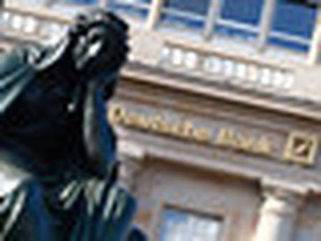 CEO Deutsche Bank no luc tran an nha dau tu - Anh 2