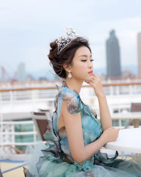 Hoa hau Do My Linh lam cong chua Lo Lem - Anh 3