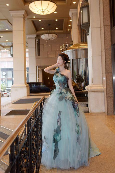 Hoa hau Do My Linh lam cong chua Lo Lem - Anh 4